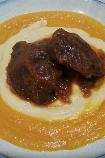 Carrilleras de cerdo estofadas al vino tinto