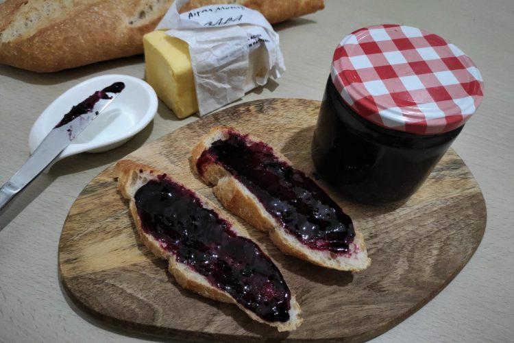mermelada de arándanos y uvas casera