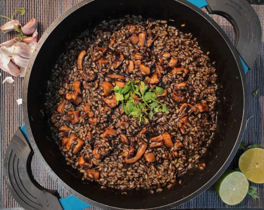 arroz con choco en su tinta